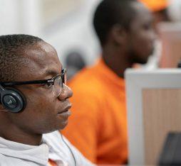 .@Orange_sn utilise l'#IA issue des écosystèmes #OpenSource pour contrôler les dossiers de souscription aux offres #mobiles et éviter les tâches répétitives