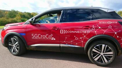 Une voiture de test 5GCroco - Stellantis